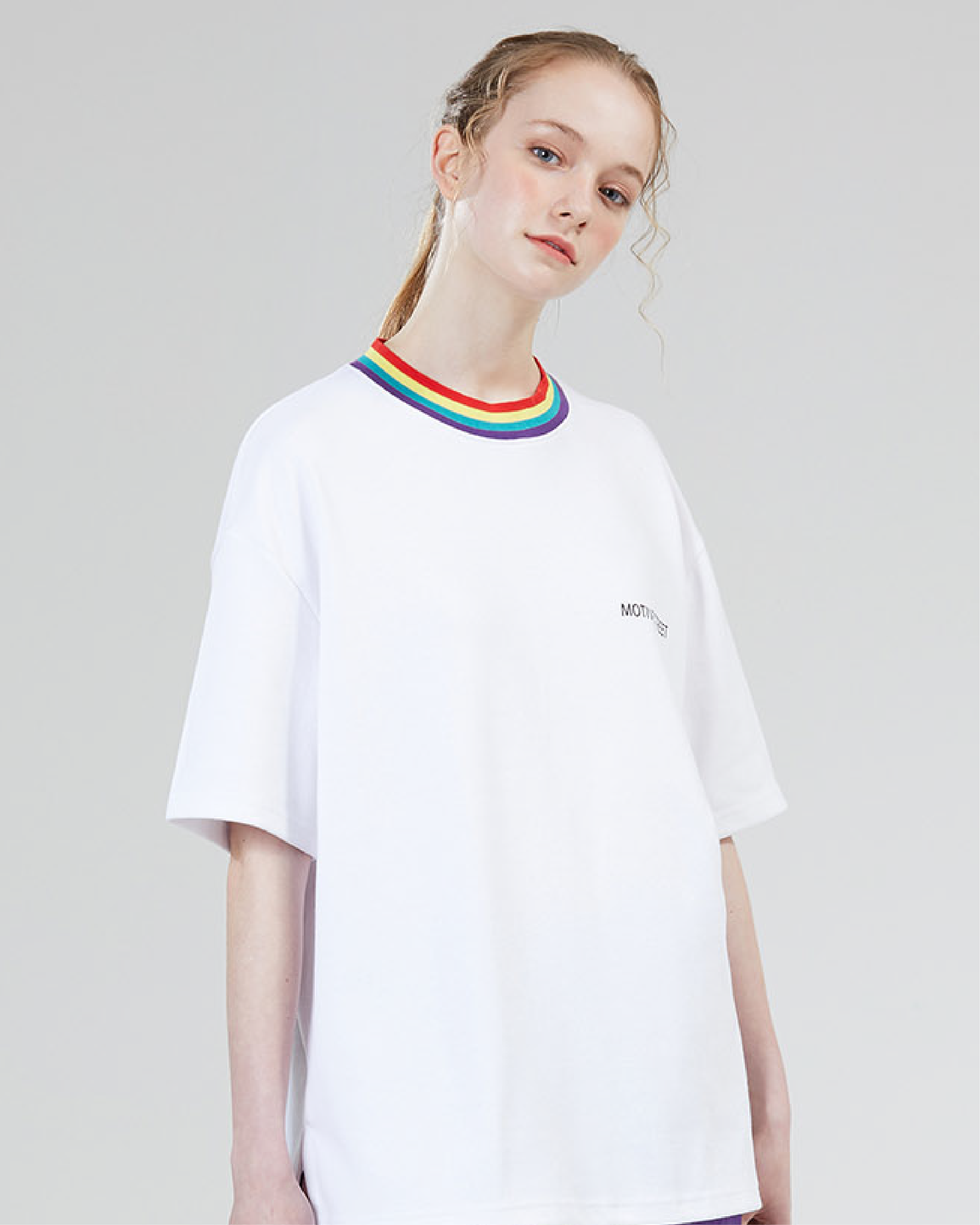 Playera Rainbow Neck Point