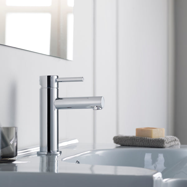 Modern Single Handle Lavatory Faucet Chrome