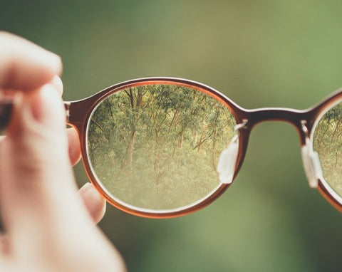 Contact Lens VS Glasses - Pros & Cons Everyone Should Know! - Glasses