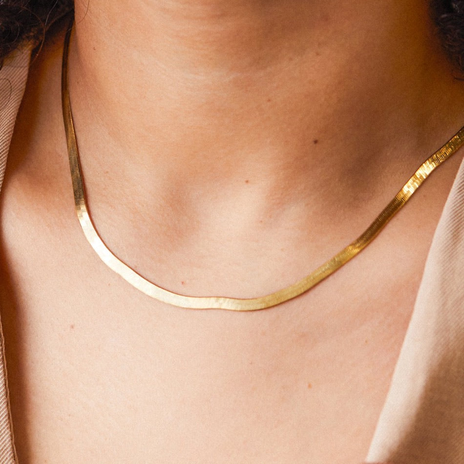 STAINLESS STEEL NECKLACE CLASSY GOLD