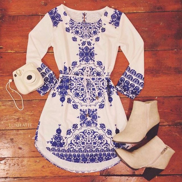 #726 Digital Printing Blue and White Long-sleeved Dress