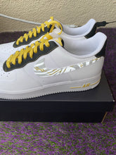 "Load image into Gallery viewer, Air Force 1 '07 LV8 ""3M Zebra"" size 11.5"