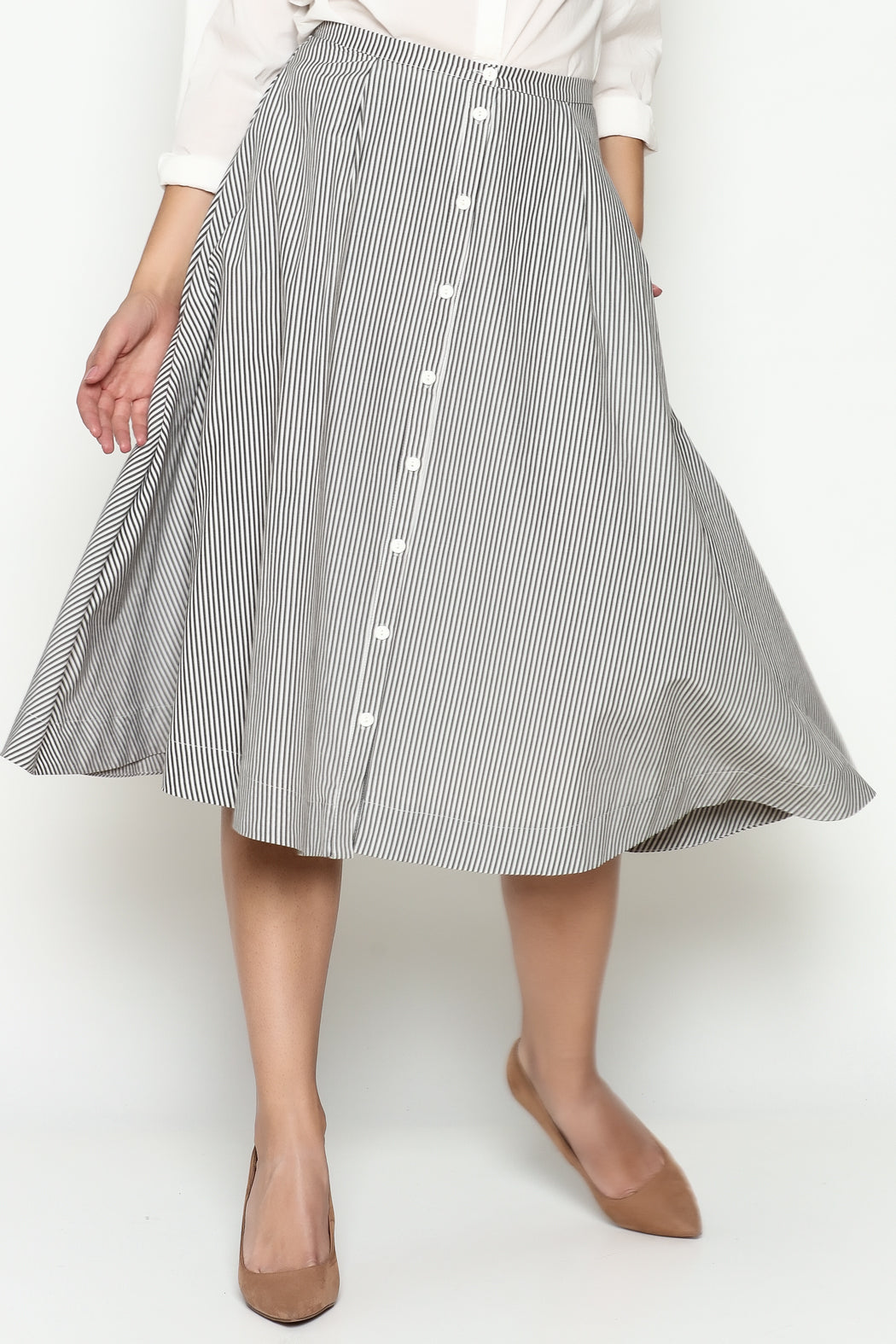 A-line skirt. striped skirt