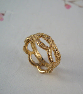 Scallop Lace band ring in 14k solid yellow gold