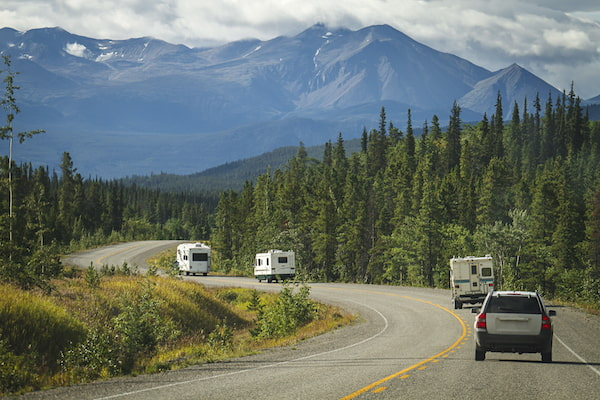 Use a radio in your RV while caravaning