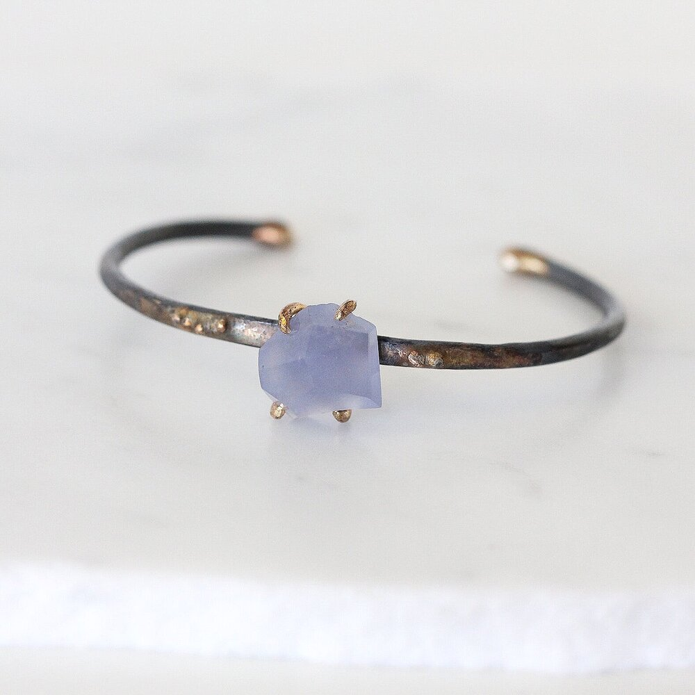 Load image into Gallery viewer, Chalcedony Cuff