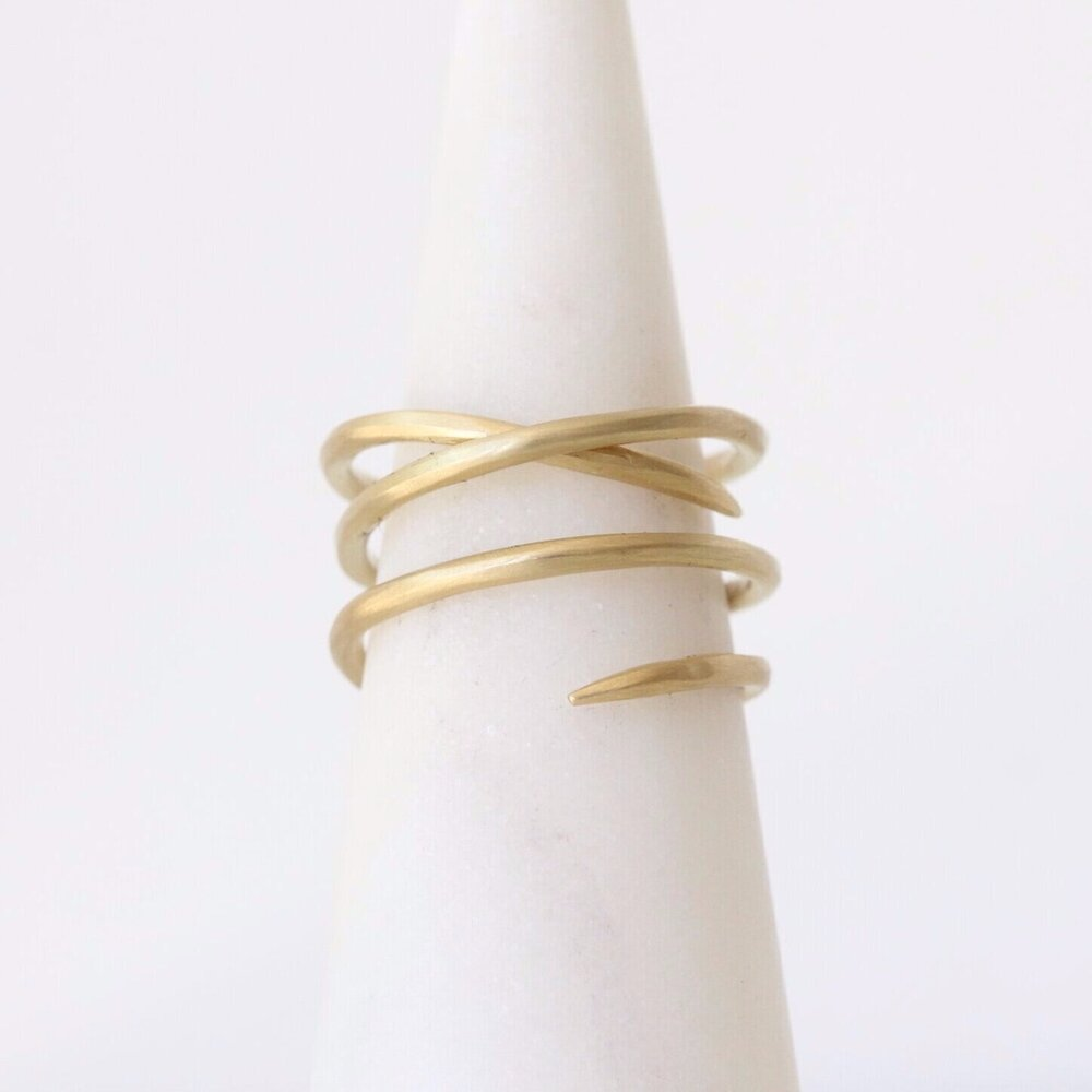 Load image into Gallery viewer, Medusa Ring 18k gold