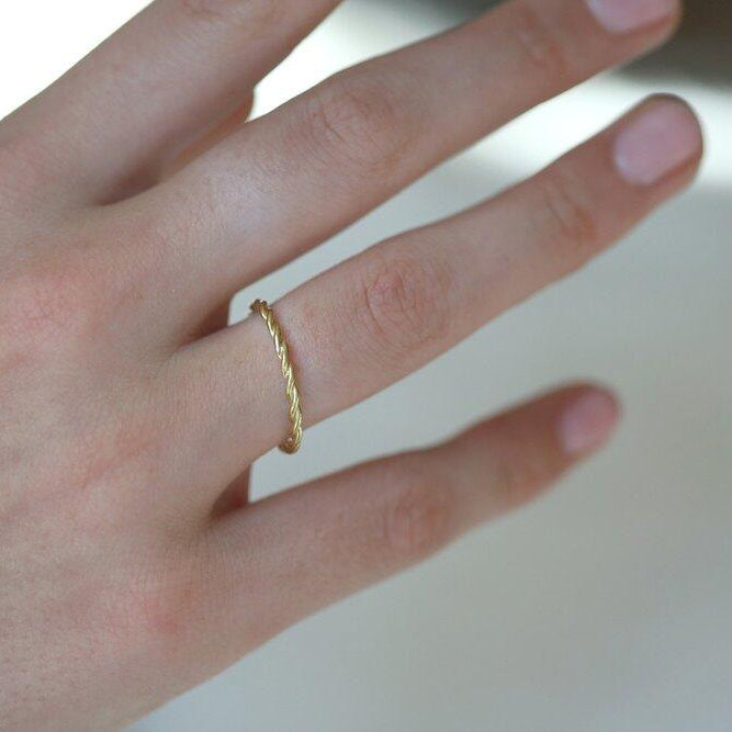 Rose Gold Thread Ring