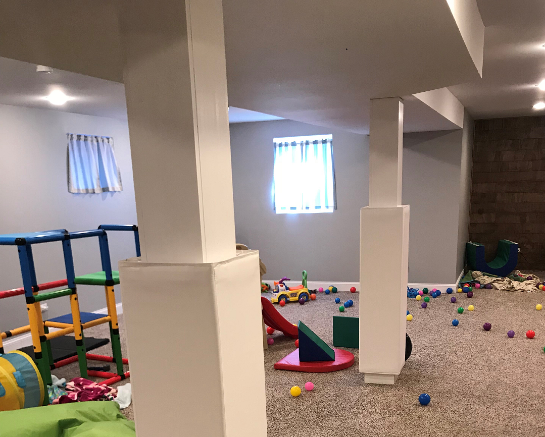 Home Basement Playroom Column Mat