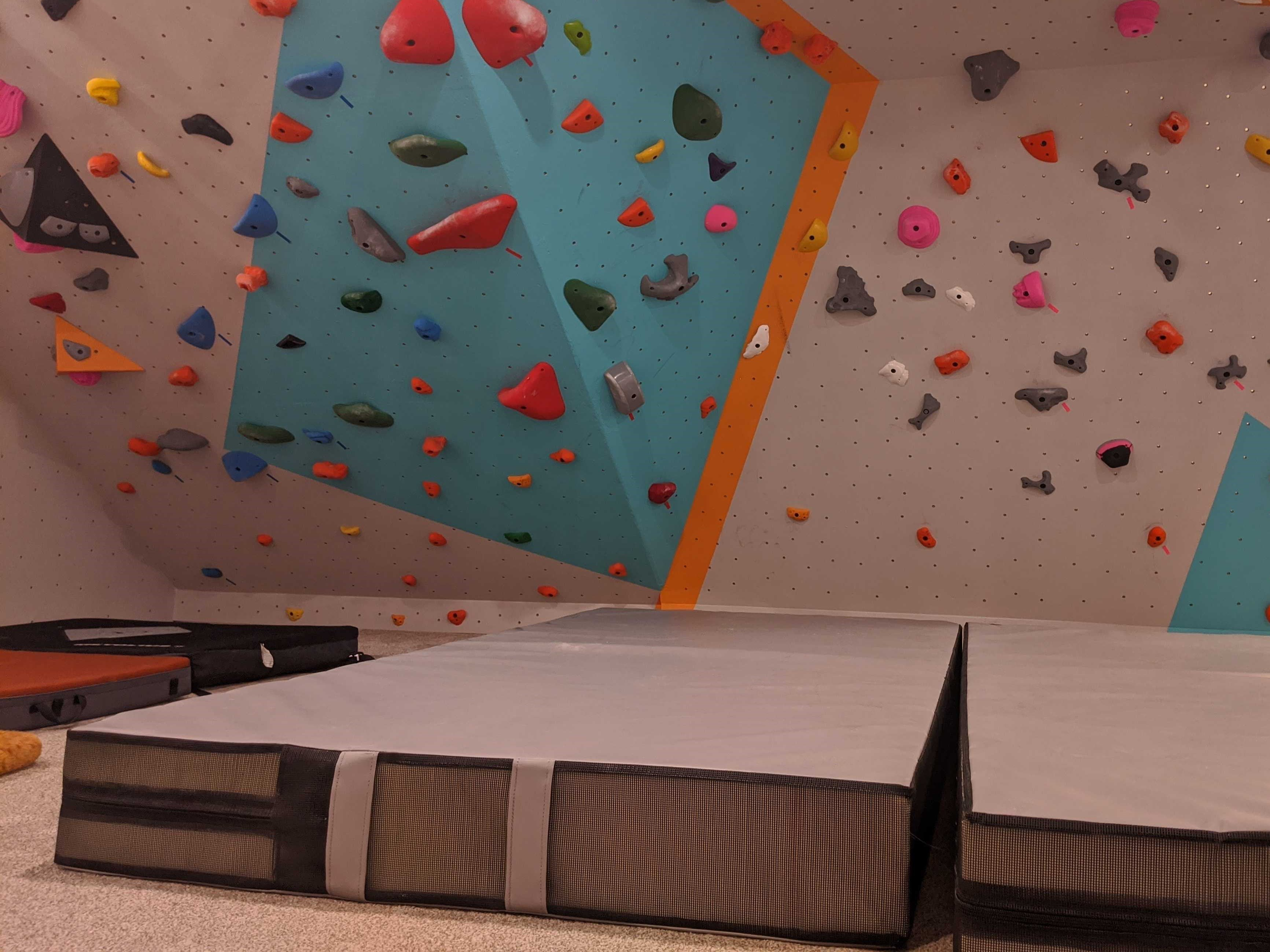 Home climbing wall grey crash pads