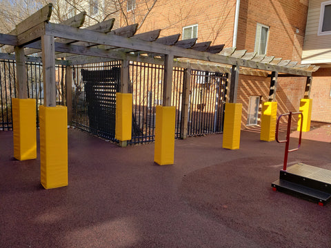 Outdoor caution column pads yellow