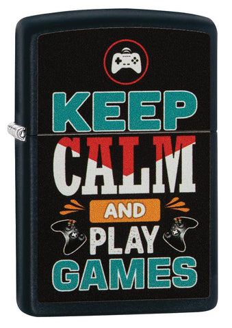 Vooraanzicht 3/4 hoek Zippo aansteker zwart met inscriptie Keep Calm and Play Games