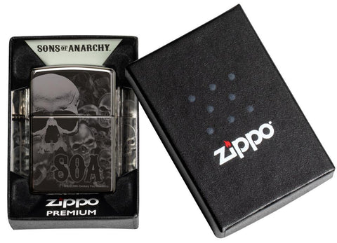 Zippo-aansteker grijs glanzend Sons of Anarchy doodshoofden in open doos