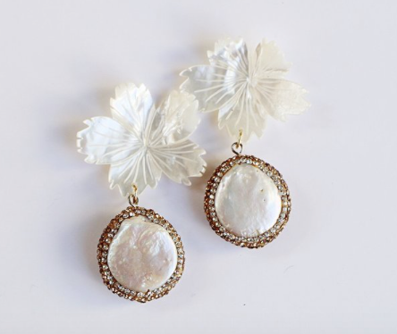 Pearl Flower with Glitzy Round Pearl Earrings