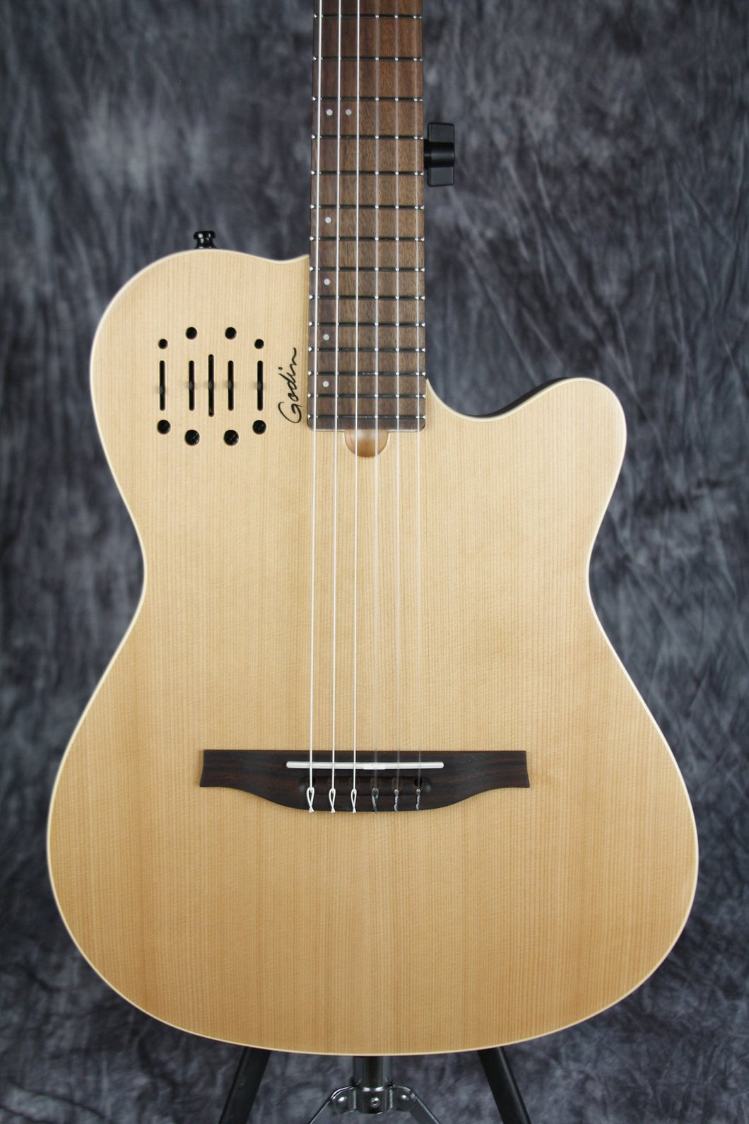 Godin Multiac Nylon Encore SG SF