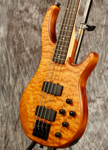 Load image into Gallery viewer, Peavey Millennium AC 4 Natural 4 String Bass Guitar
