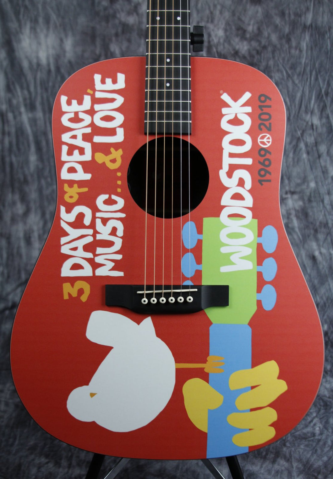 Martin DX Woodstock 50th Anniversary - Woodstock Design