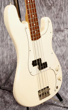 Load image into Gallery viewer, Fender MIM Precision Bass (USED) w/aftermarket bag