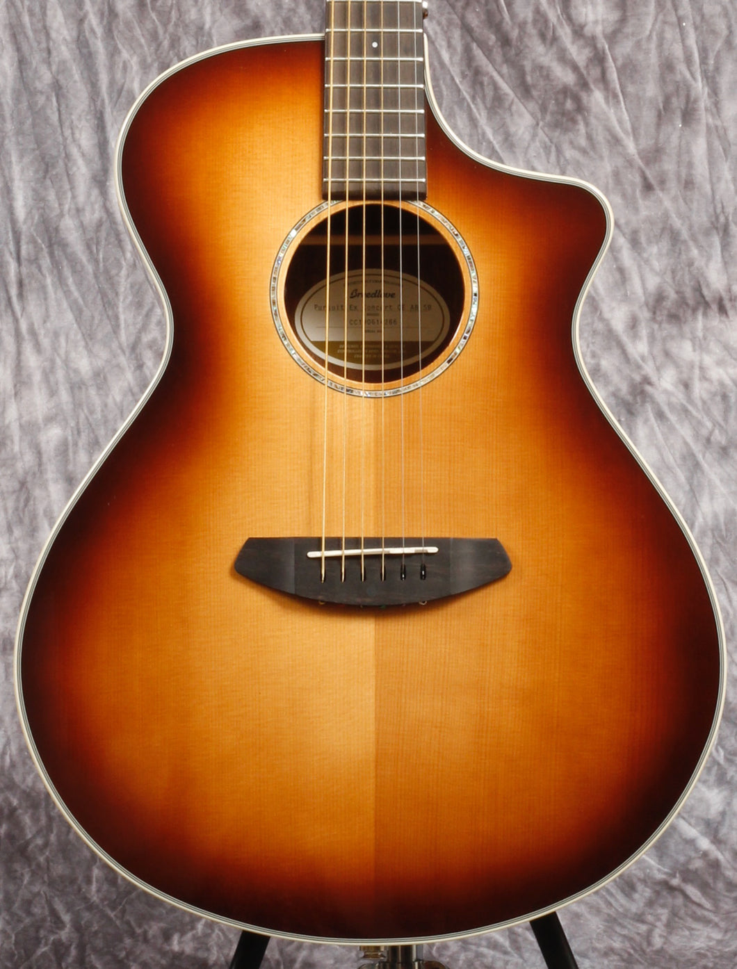 Breedlove Pursuit Exotic Concert Sunburst CE Sitka-Australian Blackwood (USED)