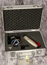 Load image into Gallery viewer, Shure KSM32 Condenser Mic (USED)