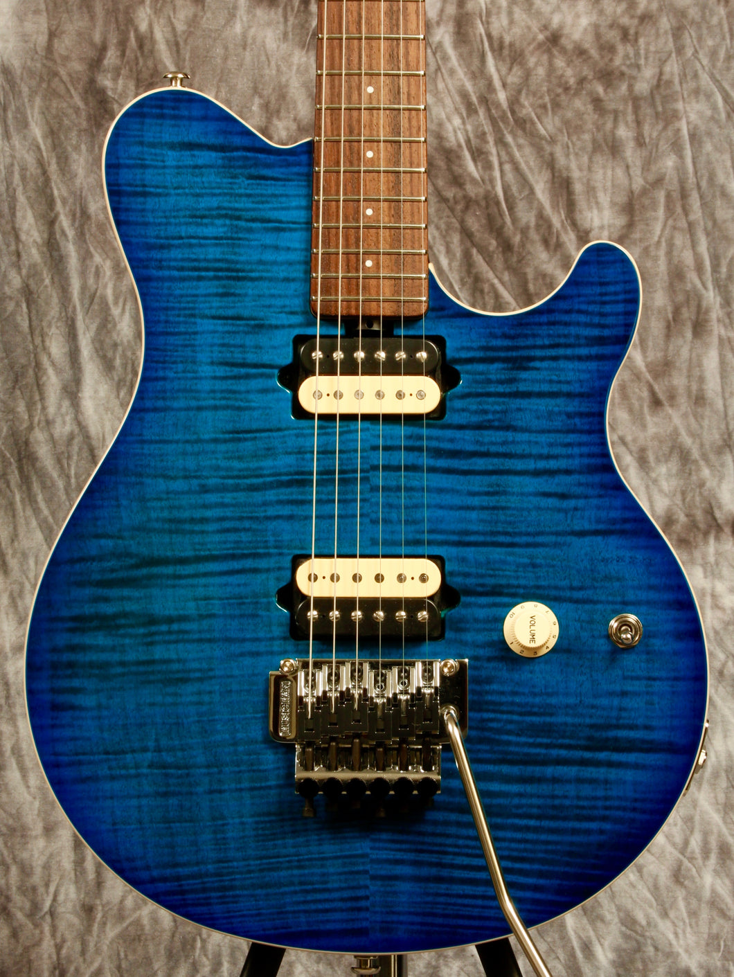 Ernie Ball Music Man Axis - Mojo's Music