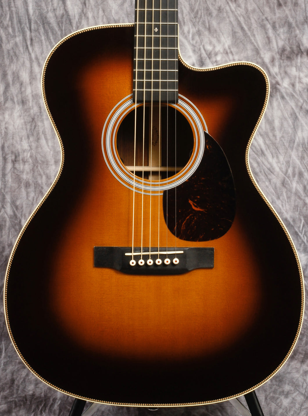 Martin OMC-28 with Electronics (USED)