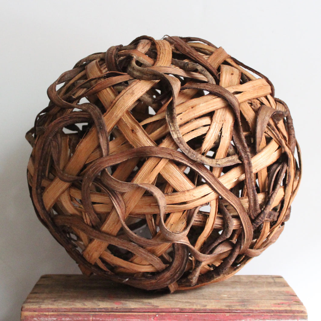 Twisted Vine Ball