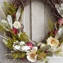 Load image into Gallery viewer, Blooming Oval Wreath