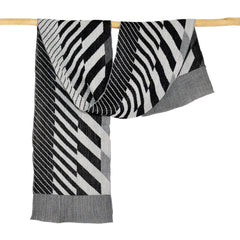 Nuno Shawl, Half Size, Arrow Feathers, Black and White