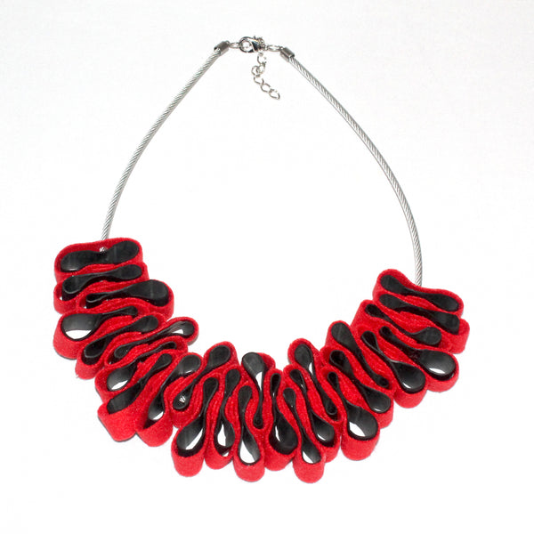 Els Tanghe Necklace, Red/Black