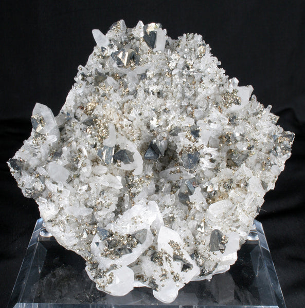 7126 - TETRAHEDRITE and PYRITE on QUARTZ