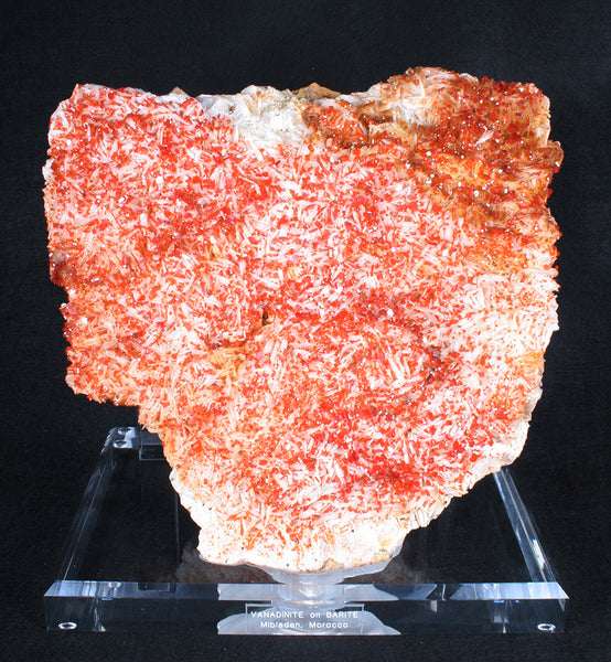7336 - VANADINITE on BARITE