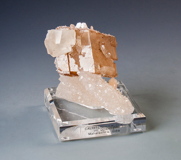 7752 - CALCITE on CALCITE on QUARTZ