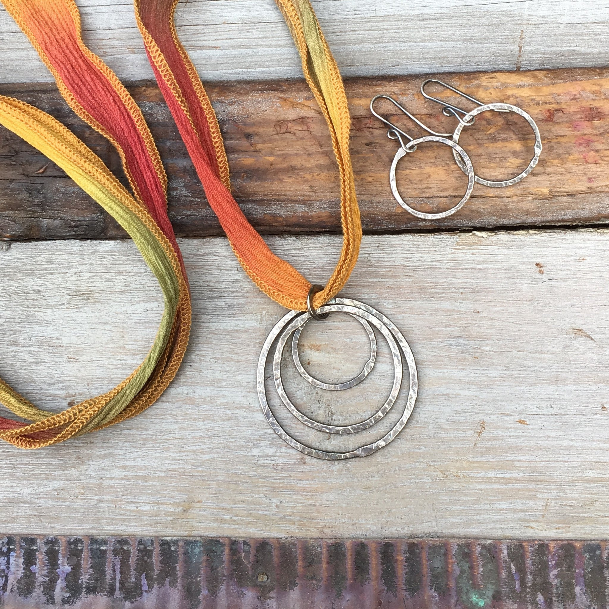 Triple Circle Necklace ~ Oxidized – Jules Artwear