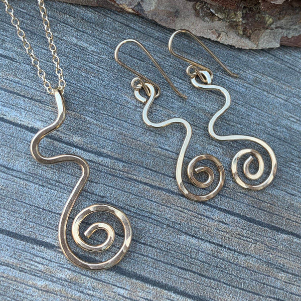 Swirl Earrings ~ Goldfilled