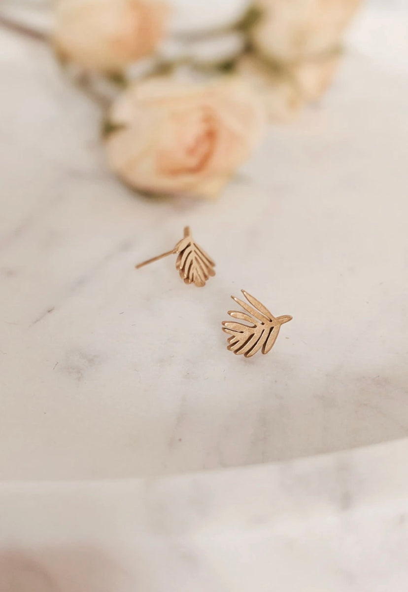 Mimi & August - Gold Palm Leaf Earring