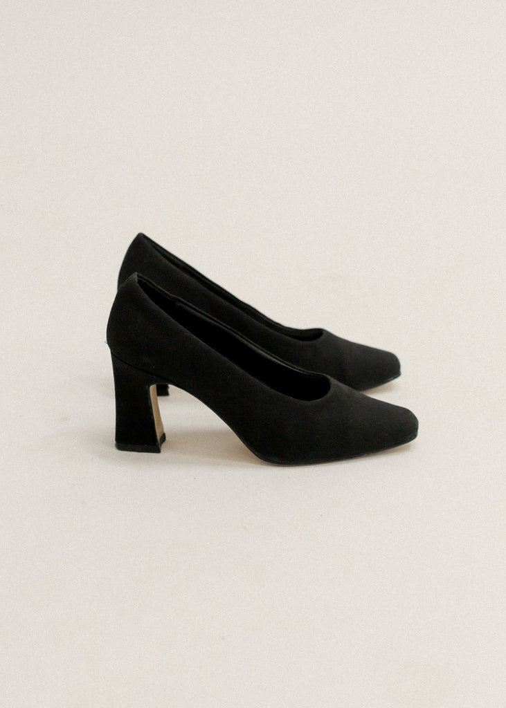 Pre by New Classics Vintage Black Pumps — Shop sustainable fashion and slow fashion at New Classics Studios