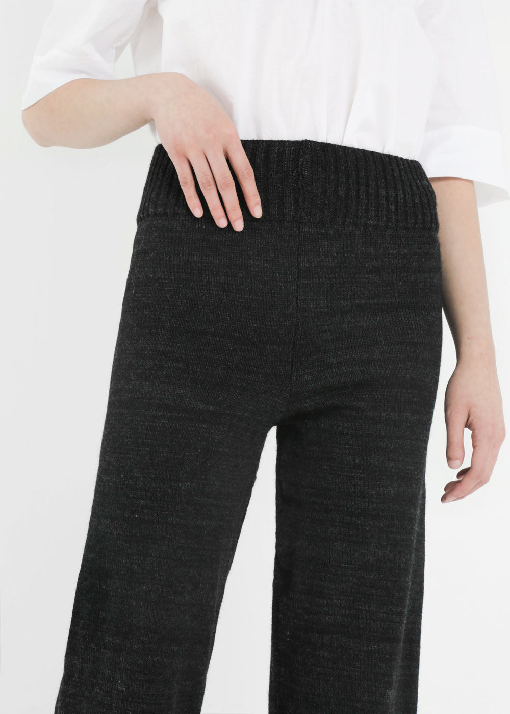 Été Noir Heavyweight Knit Trousers — New Classics Studios