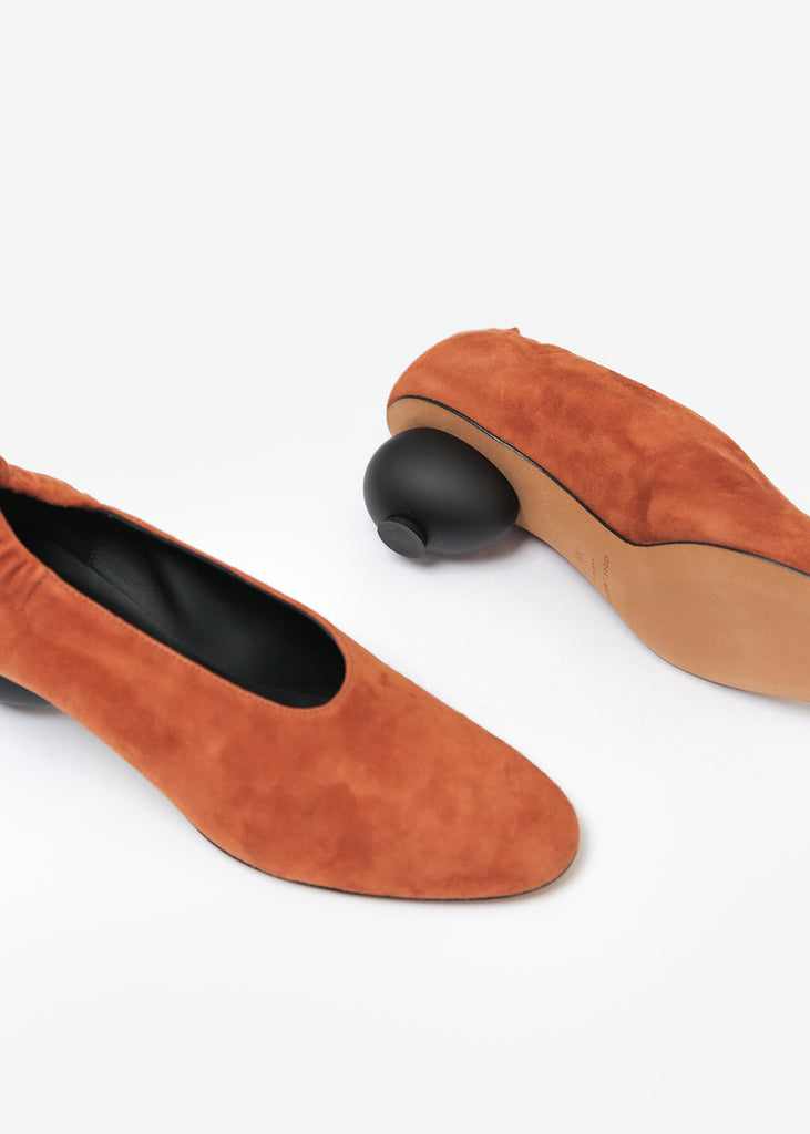 Gray Matters Mildred Egg Pump Castaono Suede — Shop sustainable fashion and slow fashion at New Classics Studios