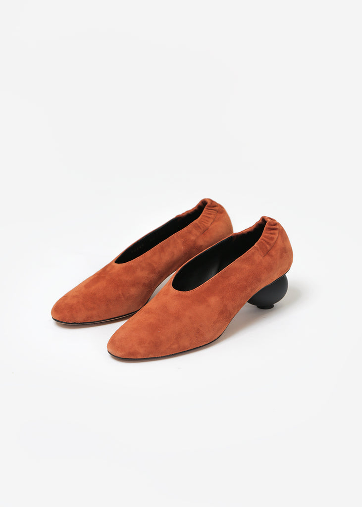 Mildred Egg Pump Castaono Suede - New Classics Studios