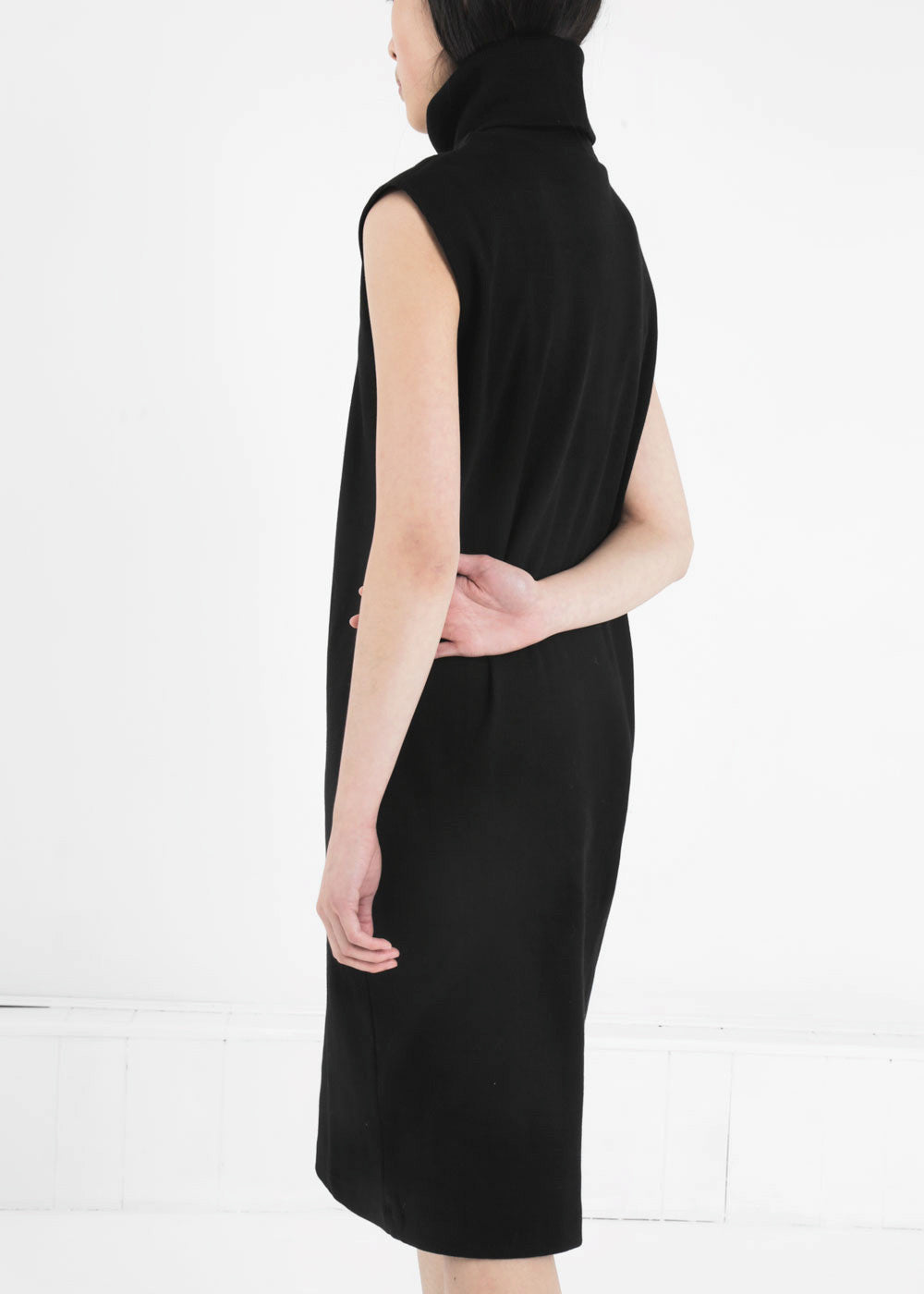 Black dress xs ribs