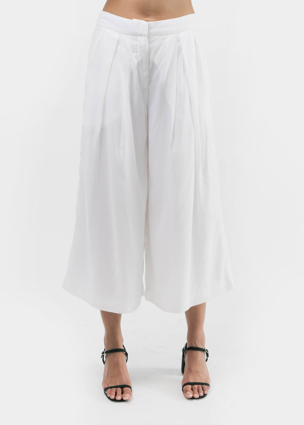 Suzanne Rae Wide Leg Cropped Pants — New Classics Studios