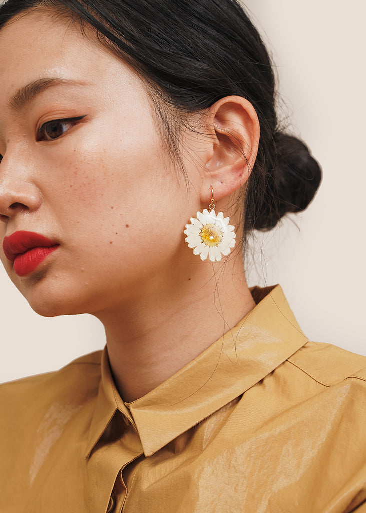 Mini Daisy Earring