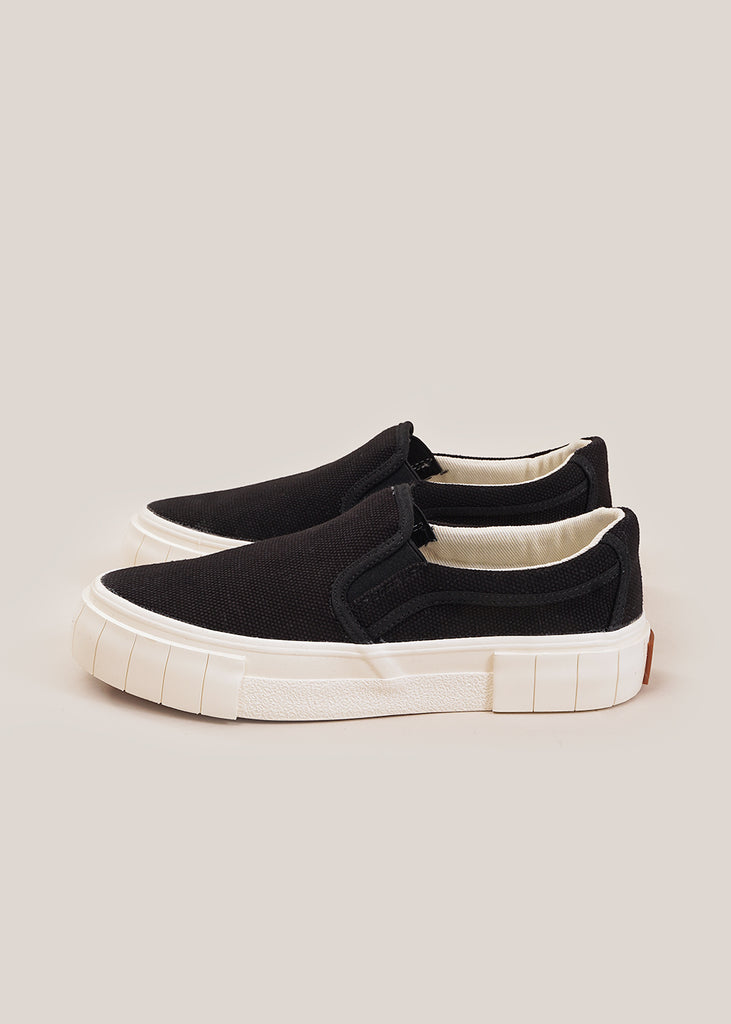 Black Yess Core Sneakers