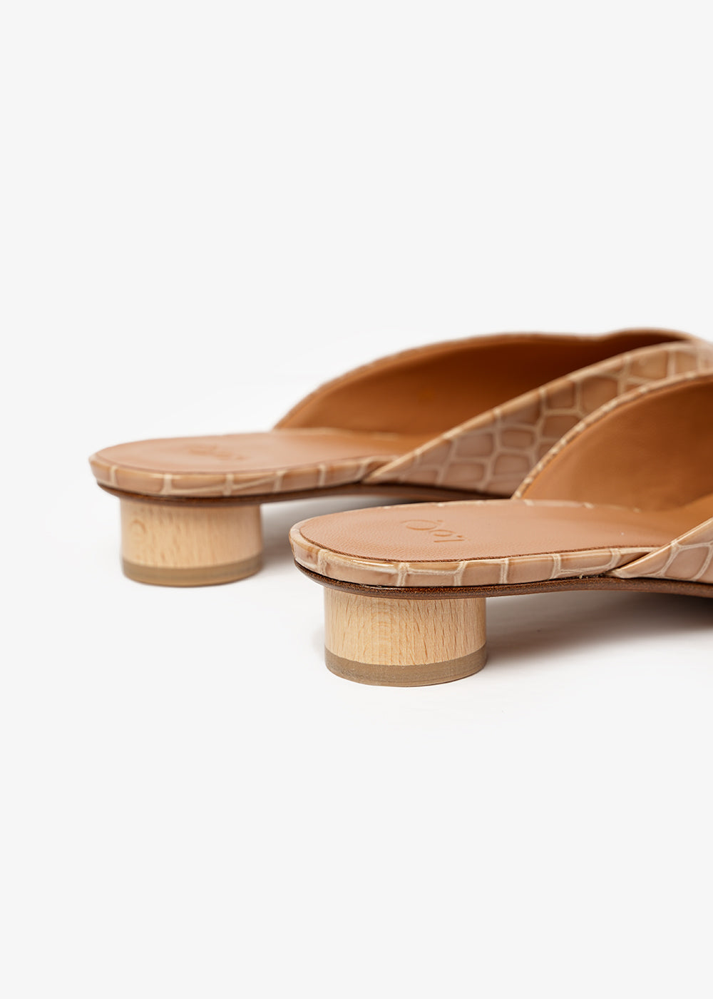 LoQ Dune Carmen Mules — Shop sustainable fashion and slow fashion at New Classics Studios