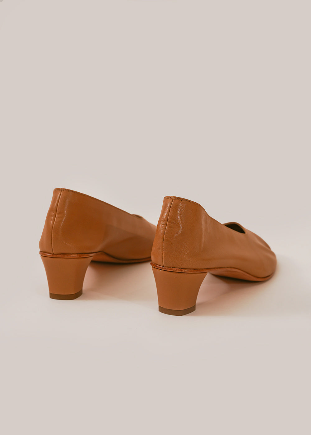 Camel High Glove Shoe
