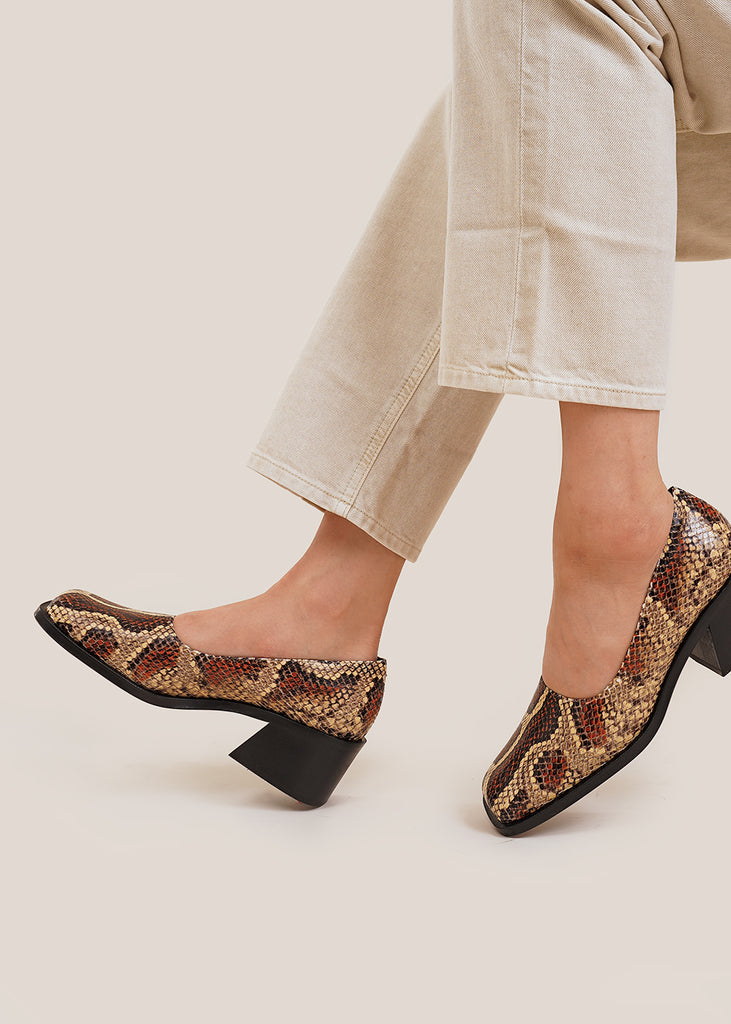 Faux Snake Wide Toe Pump