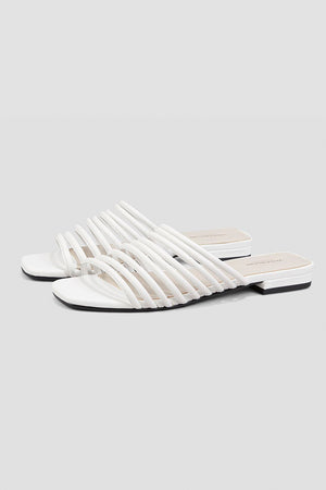 Vagabond Becky strappy white summer leather sandals | pipe and row