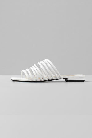 Vagabond Becky strappy white leather flat sandals | pipe and row