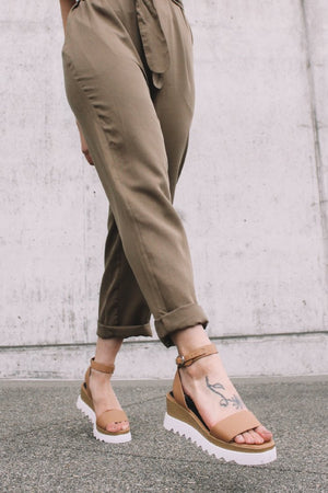 TRAY FLATFORM WEDGE TAN